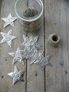 pressed tin star garland I would deff put this on a silver Christmas tree Winter Christmas, All Things Christmas, Christmas Holidays, Christmas Decorations, Christmas Ornaments, Christmas Morning, Soda Can Crafts, Kids Crafts, Craft Projects