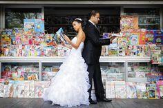 Una simpática foto de novios {Foto, Marga Gómez} #bodas #fotografía #realwedding #photography #spain