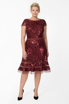 Paillette Embroidered Lace Cap Sleeve Cocktail Dress in Merlot | Tadashi Shoji Fall / Holiday Plus Size Collection