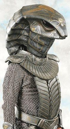 "Jaffa Cosplay from Stargate. (original caption said ""snake jafar cosplay"") Star Trek, Stargate Movie, Fromm, Stargate Universe, Marvel Universe, Dragons, Best Sci Fi, Drawn Art, Arm Armor"