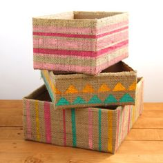 Hacer hermosa caja de almacenamiento de hasta ciclada caja de cartón y bolsas de arpillera grano de café! Super fácil tutoriales sobre 3 variaciones. Un pedazo de blog de arco iris