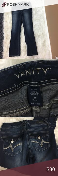 """NWOT Vanity jeans 27 short Nice NWOT Vanity 27 short jeans. Inseam 30"""" waist flat and buttoned 15"""". Has some stretch Vanity Jeans"""