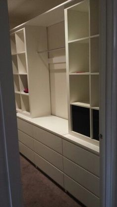 IKEA malm dresser + Kallax = custom walk in closet Closet Storage, Bedroom Storage, Ikea Storage Bed Hack, Ikea Shelves, Closet Shelves, Shelving, Malm Dresser, Malm Drawers, Home Organization