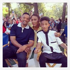 Robin Roberts chatting with Will Smith and Jaden Smith on @goodmorningamerica #partyinthepark