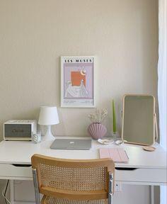 Room Design Bedroom, Room Ideas Bedroom, Bedroom Decor, Decor Scandinavian, Study Room Decor, Pastel Room, Style Deco, Minimalist Room, Pretty Room