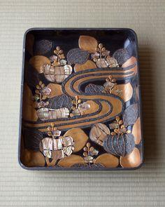 Korin maki-e lacquer box, Edo period (1603-1868), Japan 光琳蒔絵桐流水文手箱 江戸時代