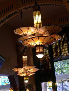 Art Deco lampen in het Cafe Americain van het Americain hotel Amsterdam / Art Deco lamps at the Cafe Americain at American Hotel, Amsterdam