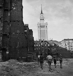 Polish Government, Russian Architecture, Warsaw Poland, Ppr, Krakow, Homeland, Empire State Building, Old Photos, City Photo