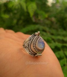 Boho Jewelry, Jewelry Rings, Jewelry Accessories, Handmade Jewelry, Women Jewelry, Unique Jewelry, Handmade Gifts, Poison Ring, Vintage Rings