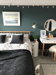 Soothing deep teal and pale pink bedroom – Bedroom Inspirations Pale Pink Bedrooms, Bedroom Green, Bedroom Colors, Blue And Pink Bedroom, Farrow And Ball Bedroom, Decoration Bedroom, Teal Bedroom Decor, Wall Decor, Ikea Bedroom