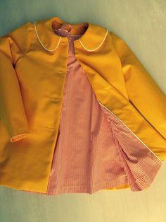 @ Yane: Een ei-geel manteltje