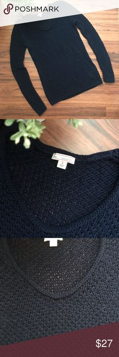 GAP tape yarn navy pullover sweater Excellent condition, barely worn Size SMALL TALL GAP Sweaters Crew & Scoop Necks