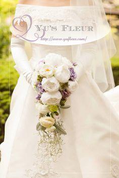 Yu's fleur (ユーズフルール)Wedding flower 港区ベイエリア flower Salon   大輪の牡丹のキャスケードブーケ