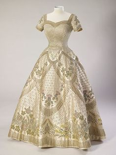 Queen Elizabeth's Coronation Gown: All About the Real Dress