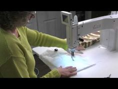 Learning how to use the Baby Lock Tiara II Quilting Machine including threading the machine and layering the quilt. Longarm Quilting, Free Motion Quilting, Quilting Tips, Quilting Tutorials, Machine Quilting, Arm Machine, Sewing Hacks, Sewing Projects, Sewing Tips