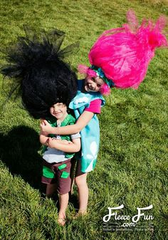 Big troll hair diy easy to make costume piece diy halloween this big troll hair diy is easy to make and perfect for getting that voluminous look of a troll clear step by step instructions and pictures make it easy solutioingenieria Image collections