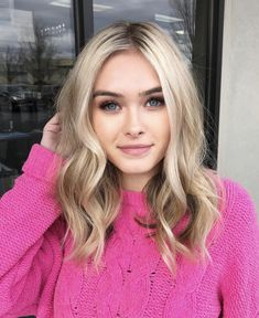 Nice Ideas Best Medium Length Blonde Haircuts and Hairstyle Medium Hair Cuts, Medium Length Hair Blonde, Curl Medium Hair, Medium Length Blonde Hairstyles, Medium Haircuts For Women, Shoulder Length Hair Blonde, Long Bob Blonde, Blonde Lob, Wavy Lob