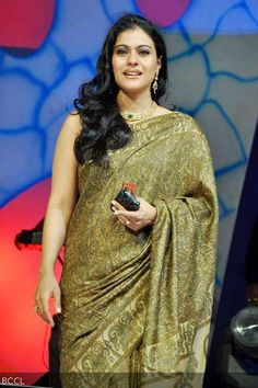Kajol during 'Dadasaheb Phalke Academy Awards held in Mumbai on May Kajol Saree, Bollywood Saree, Indian Bollywood, Bollywood Fashion, Indian Actress Images, Indian Actresses, Actress Anushka, Bollywood Actress, Indian Beauty Saree