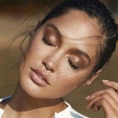 Make com esfumado marrom & pele iluminada - sempre cai bem ✨✨✨ #ddbinspira