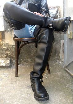 Mens Tall Boots, Tall Leather Boots, Biker Leather, Long Boots, Leather Men, Dress With Boots, Jeans And Boots, Big Black Boots, Mens Boots Fashion