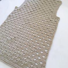 No photo description available. Dress Patterns, Crochet Patterns, Coban, Crochet Cardigan, Hue, Crochet Projects, Vest, Product Description, Knitting