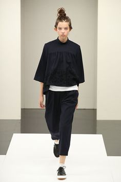 トリコ・コム デ ギャルソン(tricot COMME des GARÇONS)2017年春夏コレクション Gallery25