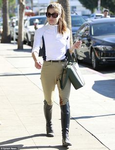 Selma Blair sports equestrian gear to grab coffee in LA  She always needs her caffeine fix.  And on Wednesday Selma Blair was spotted grabbing an iced coffee at Alfreds in Studio City California before heading to the equestrian center.  The 45-year-old actress looked all smiles as she sported chic equestrian gear while indulging in her morning pick me up.  Giddy up! On Wednesday Selma Blair was spotted grabbing an iced coffee at Alfreds in Studio City California before heading to the…