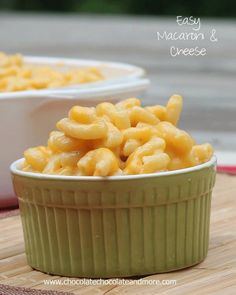 Easy Macaroni and Cheese-Never buy the box stuff again! This takes about the same amount of time as box mac&cheese. My kids loved it and I thought it was one of the best I've made. I Love Food, Good Food, Yummy Food, Cheese Recipes, Cooking Recipes, Pasta Recipes, Pasta Meals, Quick Recipes, Recipes Dinner