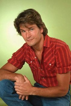 Actor and dancer Patrick Swayze poses for a portrait on July 27 1982 in Los Angeles California Patrick Swayze, Patrick Dempsey, Jennifer Grey, Hooray For Hollywood, Dirty Dancing, Attractive Men, American Actors, Movie Stars, Stars