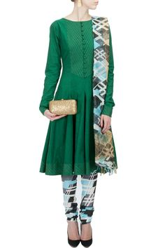 Green flared kurta with printed churidaar BY SURENDRI.