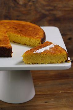 Delicioso y esponjoso pan de elote 100% casero con el toque de las abuelitas. Muy fácil de preparar ya que se hace todo en la licuadora.