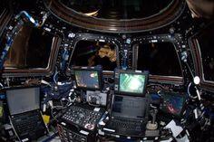 @astro_Pettit Practice set-up for Dragon