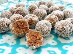 Bliss balls are one of my favourite little snacks to make. They ridiculously easy and quick to make and are perfect for the work or school lunchbox. Raw Vegan Desserts, Raw Food Recipes, Sweet Recipes, Snack Recipes, Healthy Recipes, Paleo Food, Gf Recipes, Dessert Recipes, Snacks To Make