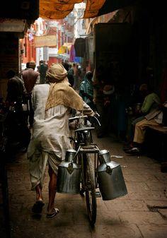 Varanasi, india by Gerald Gay, via Village Photography, Indian Photography, Life Photography, Street Photography, Portrait Photography, Varanasi, India Street, Yorky, Amazing India