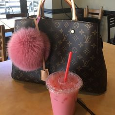 Have a nice day. My gorgeous #Louis #Vuitton #Handbags. Girl's favorite Bag.