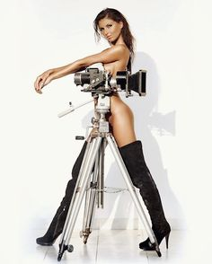 341 отметок «Нравится», 4 комментариев — Sylvio Testa (@sylvio_testa) в Instagram: «Laura#model #girl #woman #lady #beauty #pretty #cute #brunette #body #sexy #glamour #nude #naked…»