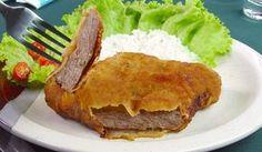 INGREDIENTES: 500g de carne (coxão mole, patinho ou alcatra) 2 ovos Aproximadamente 1 xícara (chá) farinha de trigo Aproximadamente 1 xícara (chá) farinha de rosca 2 dentes de alho triturado Pitada de orégano Sal e pimenta do reino a gosto MODO DE PREPARO: 1- Corte a carne em bifes finos. 2- Tempere com sal, pimenta …