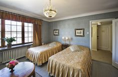 Superior-huone 15 Päälinnassa - Superior room 15 at the Main Building.  #vanajanlinna #hotel #accommodation