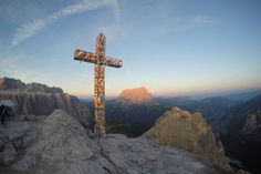 Sonnenaufgang in Gröden auf 2592m | GoWithTheFlo Fitness Motivation, Places, Sunrise, Traveling With Children, Road Trip Destinations, Round Round, Fit Motivation, Exercise Motivation, Lugares