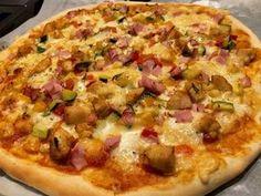 Szybka pizza na suchych drożdżach - Blog z apetytem Open Faced Sandwich, Hawaiian Pizza, Feta, Hamburger, Sandwiches, Stuffed Mushrooms, Food And Drink, Snacks, Blog