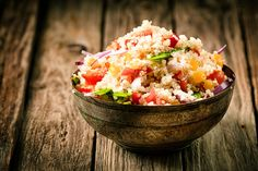 Want to turn quinoa from a boring seed into a mouth-watering super food for your family? I've got some quinoa recipes to show you how! Vegetarian Quinoa Recipes, Vegetarian Protein Sources, High Protein Recipes, Healthy Recipes, Protein Foods, Quinoa Protein, Healthy Meals, Delicious Recipes, Healthy Grains