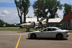 Prezentacja Maserati Ghibli zorganizowana na terenie prywatnego lotniska w Konstancinie – Obory.