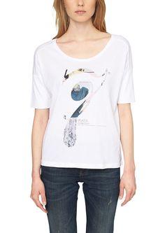 T-Shirt Print im Grafik-Design. Weiter Rundhalsausschnitt mit feiner Blende. Angesetzte, doppellagige T-Shirt-Ärmel. Lockere Vokuhila-Passform; Rückenlänge bei Größe 36 ca. 68 cm. Extra weiche Jersey-Qualität aus Modal-Baumwollmix. Das weite T-Shirt am besten zu schmalen Jeans kombinieren..  Materialzusammensetzung:Obermaterial: 50% Modal, 50% Baumwolle,  ...