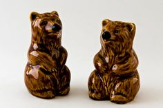 Set the table with these vintage bear salt and pepper shakers. #vintageshakers #sfetsy #vintagebears