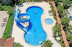 For sale fully furnished apartment for very good price! 2+1 apartment with a prime beachfront location the complex overlooks the sandy beach.  Residence consisting of two blocks in a vertical line to the sea and has got an area of 2887 square metres with green garden and big outdoor pool.