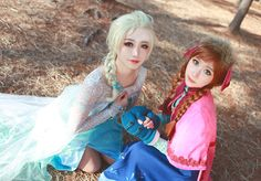 Anna and Elsa Cosplay by cosplay lovers; Frozen Cosplay, Elsa Cosplay, Disney Cosplay, Frozen Elsa And Anna, Elsa Anna, Disney Frozen, Cosplay Makeup, Cosplay Outfits, Frozen Hair