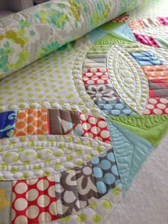 Cydney was one of my student for the Metro Rings Quilt Class I taught at The Little General Fabric Boutique. This was the first experience my students had using Sew Kind of Wonderful's Quick Curve...