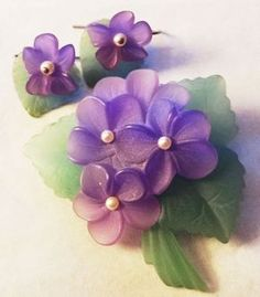 "RARE:Vintage Signed Avon 1983 ""Sweet Violet Collection"" ~ Pin/Brooch & Pierced Earrings ~ plastic frosted crystal set with simulated pearl centers"