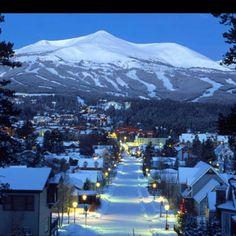 Breckenridge Colorado... Our favorite place to ski :) Really Beautiful Town
