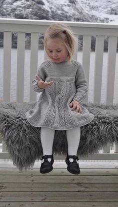 knit little gown 🔆 grey grey knit wool wool gown sturdy little one child little one little woman little woman / kjole med hullmønster og falske fletter. Baby Knitting Patterns, Knitting For Kids, Knitting Projects, Knit Baby Sweaters, Knitted Baby Clothes, Baby Barn, Knit Baby Dress, Clothes Crafts, Doll Clothes Patterns